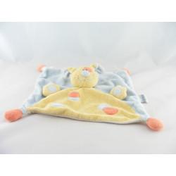 Doudou chien jaune tache rouge bleu NATTOU
