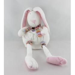 Doudou lapin blanc rose fleurs brodées CP INTERNATIONAL