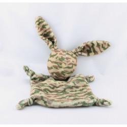 Doudou plat lapin vert marron camouflage IKKS