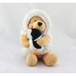 Doudou Winnie l'ourson déguisé en esquimau avec pingouin Collection DISNEY