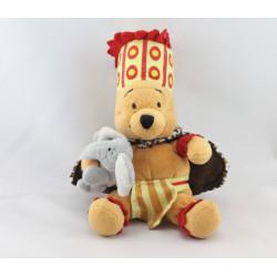 Peluche Winnie l'ourson déguisé en Chef Africain Collection Disney