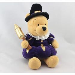 Peluche Winnie l'ourson déguisé en Guy Fawkes Collection Disney
