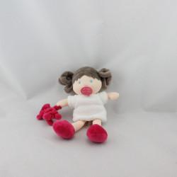 Doudou et compagnie poupée fillette blanche rose avec ours