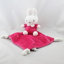 Doudou lapin MIFFY mouchoir rose SOFT BOA
