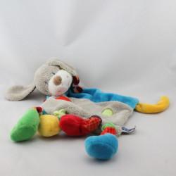 Doudou plat chien gris beige bleu pattes multicolores MOTS D'ENFANTS