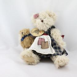 Peluche ours beige marron robe à carreaux bleu bébé LOUISE MANSEN