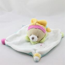 Doudou et compagnie plat ours blanc bleu jaune vert rose