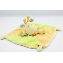 Doudou plat girafe jaune vert foulard bleu KIABI NICOTOY