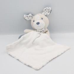 Doudou chien beige bleu blanc mouchoir cajou SUCRE D'ORGE