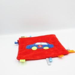 Doudou plat carré rouge voiture étiquettes CARRE BLANC