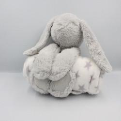 Doudou peluche lapin gris avec couverture ATMOSPHERA