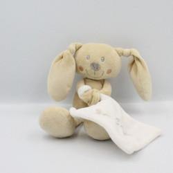 Doudou lapin beige avec mouchoir blanc POMMETTE