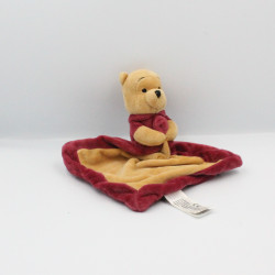 Doudou plat winnie l'ourson beige rouge bordeaux Celebrating DISNEY NICOTOY