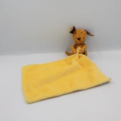 Doudou chien jaune mouchoir POMMETTE