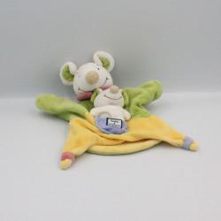 Doudou et compagnie plat souris verte jaune col rouge avec bébé