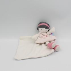 Doudou poupée rose blanche...