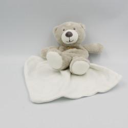 Doudou ours gris beige mouchoir Cajou SUCRE D'ORGE