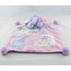 Doudou plat couverture rose pachwork Lumpy l'éléphant Disney