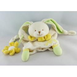 Doudou et compagnie plat marionnette lapin blanc fleur jaune